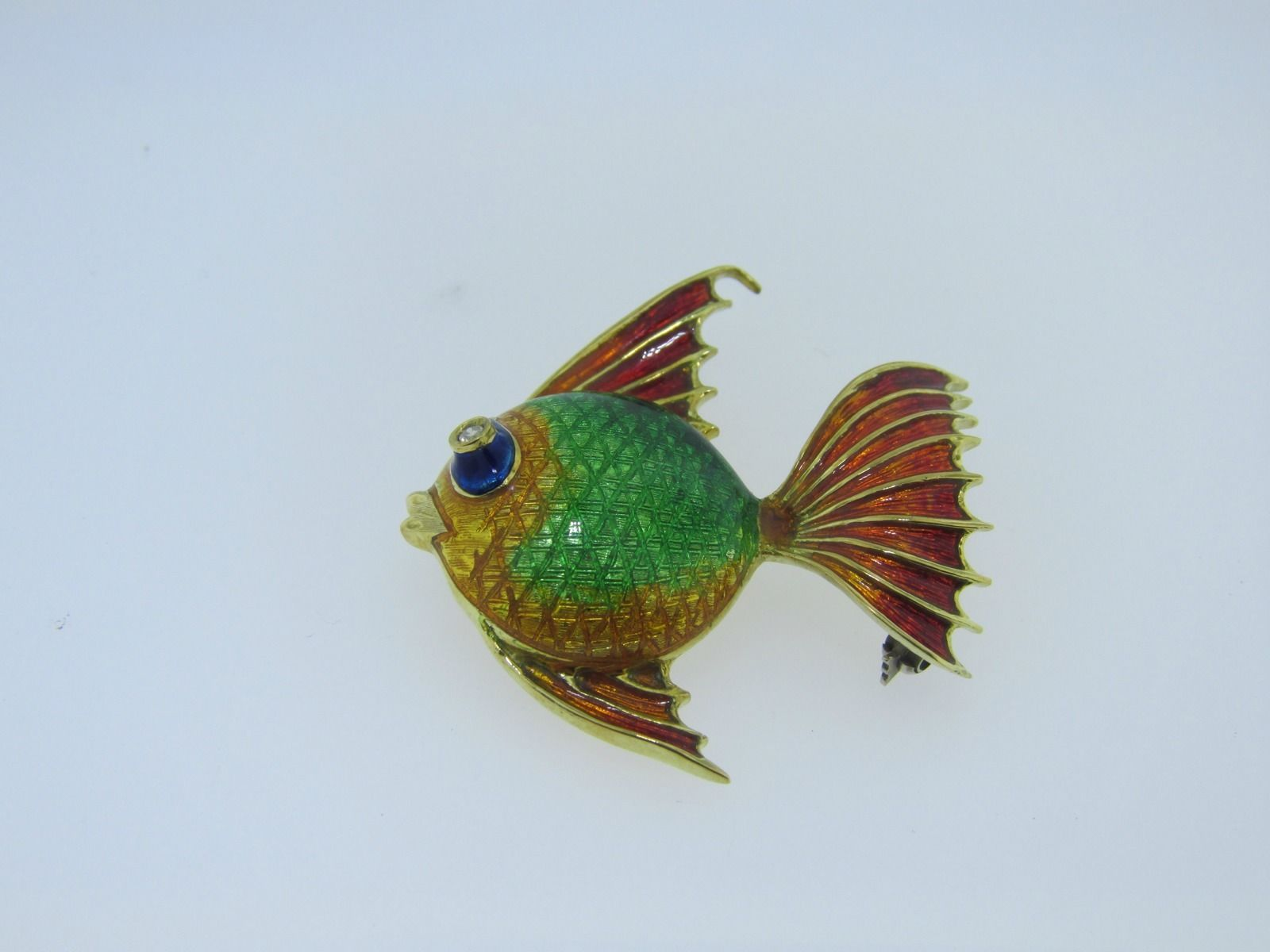 Very Fine 18k Yellow Gold and Multi-Color Enamel Fish Pin