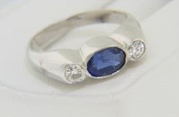 Vintage 18k White Gold Three Stone Sapphire and Diamond Ring with 1.00cts