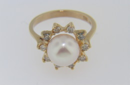 Vintage Pearl and Diamond Estate Ring in 14k Yellow Gold Size 6