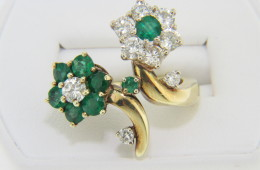 Vintage Emerald & Diamond Very Fine Flower Ring in 18k Yellow Gold Size 6