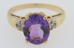 Vintage Very Fine Oval Amethyst & Diamond Ring in 14k Yellow Gold Size 6.25