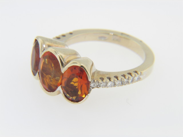 Contemporary Oval Citrine & Diamond Ring in 18k Yellow Gold Size 6.75