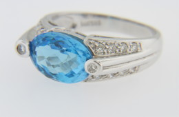 Contemporary Oval Blue Topaz & Diamond Ring in 14k White Gold Size 7