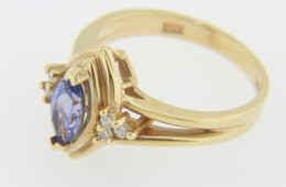 Vintage Marquise Tanzanite and Diamond Ring in 14k Yellow Gold Size 6.25