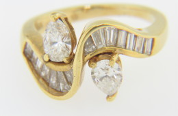 Vintage 1.70ctw Pear & Baguette Diamond Wave Design Ring in 18k Yellow Gold Size 4.5