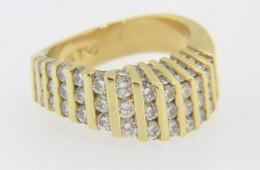 Vintage 1.5ctw Round Diamond Wave Design Band Ring in 18k Yellow Gold Size 6