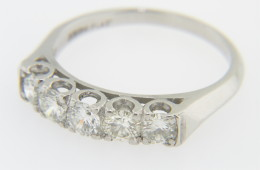 Vintage 1.0ctw Round Diamond 5 Stone Band Ring in Platinum Size 6.75