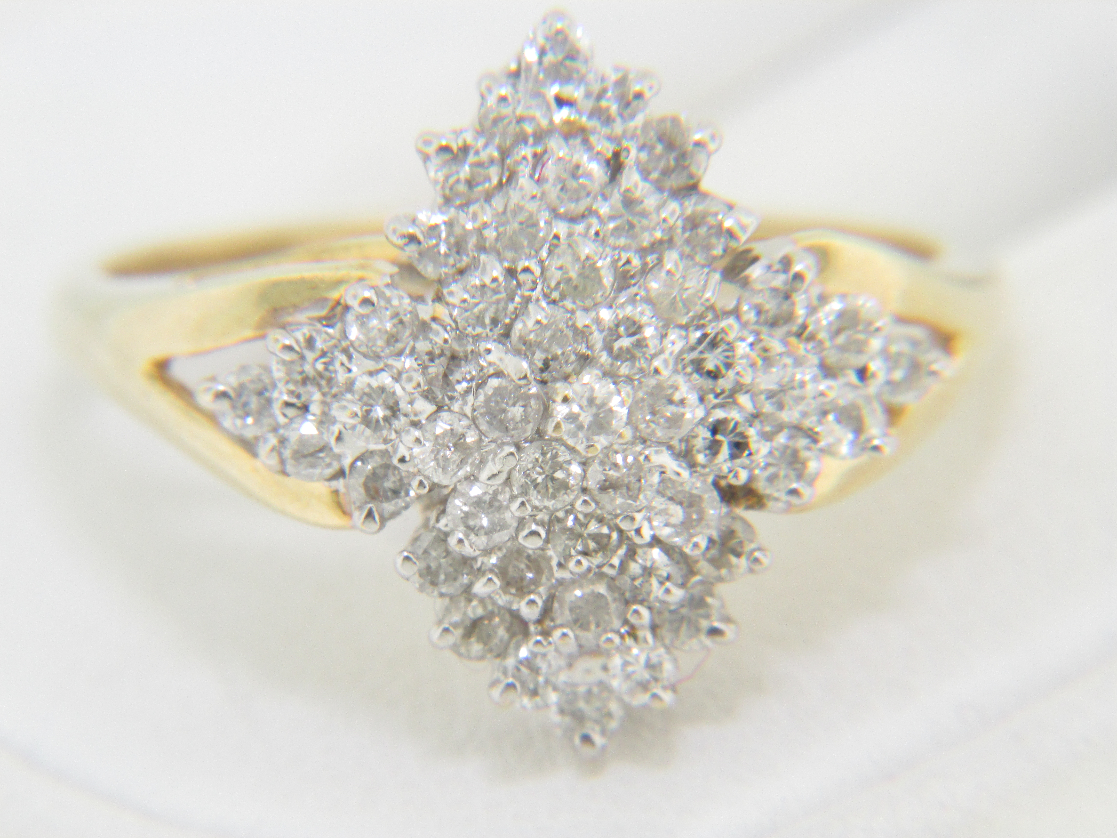 Vintage Two Tone 1 0ctw Round Diamond Cluster Ring In 14k