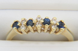 Vintage Very Fine Round Sapphire & Diamond Ring in 14k Yellow Gold Size 5