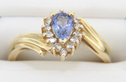 Vintage Pear Cut Tanzanite & Diamond Halo Ring in 14k Yellow Gold Size 6.5