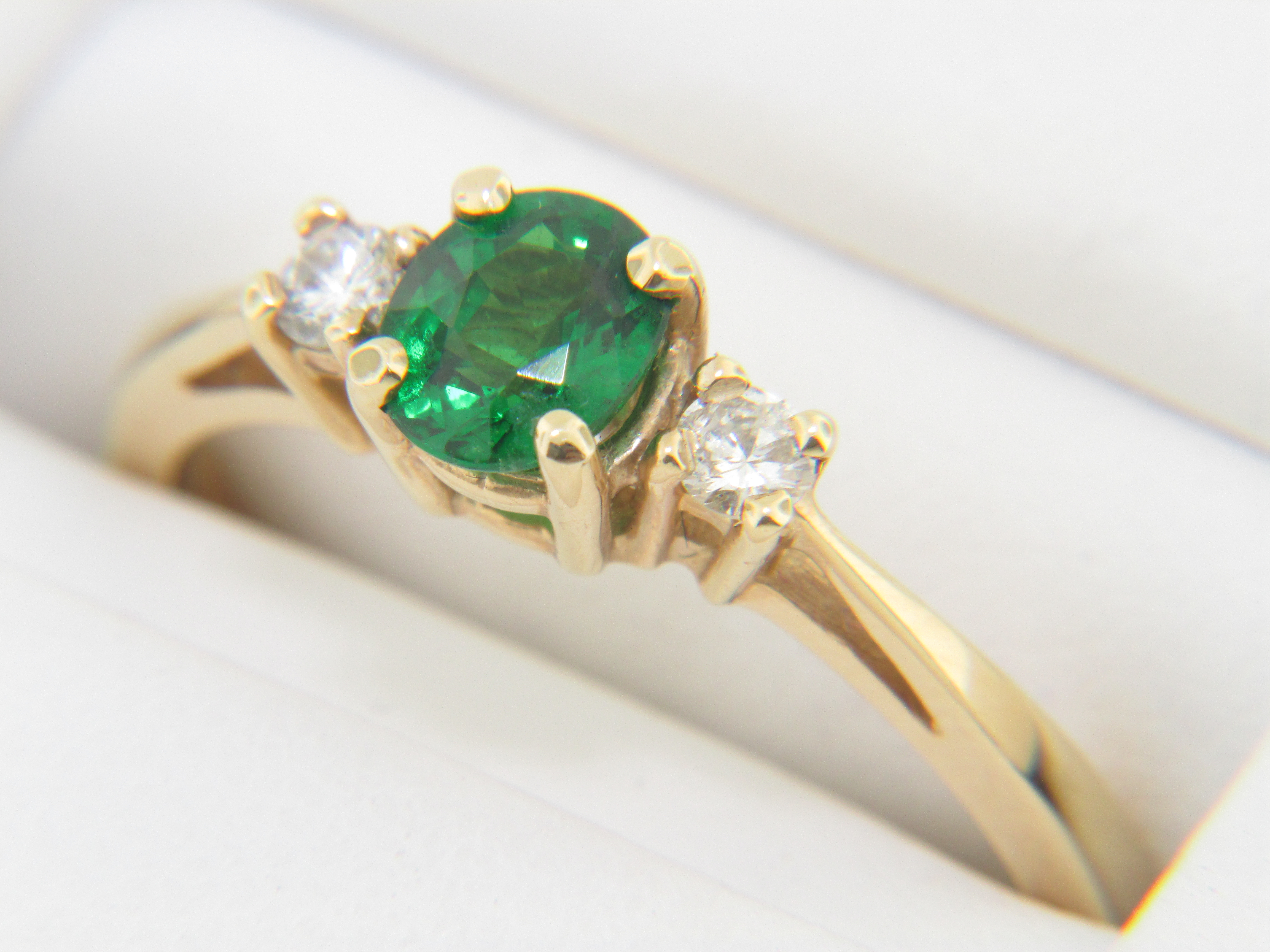 ring natural green with heart amazon gemstone jewelry cz dp claddagh may white com birthstone diamonds rings gold