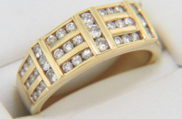 Vintage 0.75ctw Round Diamond Hard Edge Band Ring in 14k Yellow Gold Size 7