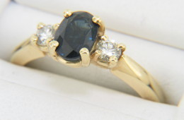 Vintage Oval Sapphire & Diamond Three Stone Ring in 14k Yellow Gold Size 6.5 Timeless