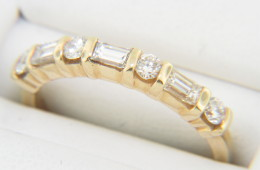 Vintage 0.75ctw Round & Baguette Diamond Band Ring in 14k Yellow Gold Size 6