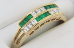 Vintage Princess Cut Diamond & Emerald Band Ring in 18k Yellow Gold Size 5.75
