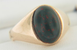 Vintage Art Deco Oval Bloodstone Ring in 14k Yellow Gold Size 3.5