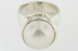 Vintage Art Deco 13.5mm Malbe Pearl Ring in .925 Sterling Silver Size 5.25