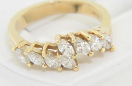 Vintage 1.0ctw Marquise Diamond Band Ring in 14k Yellow Gold Size 6.5
