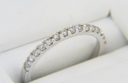 Vintage 0.22ctw Diamond Band Ring in 14k White Gold Size 3.75