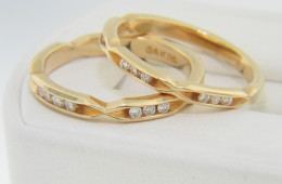 Vintage 0.60ctw Very Fine Set Of 2 Diamond Band Rings in 14k Yellow Gold Size 6