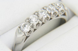 Vintage Antique 0.85ctw Round Diamond Band Ring in Platinum Size 7.75 Very Fine