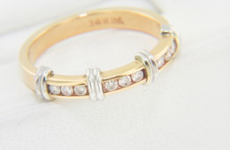 Vintage Timeless Two Tone 0.18ctw Diamond Band Ring in 14k Yellow Gold Size 6.25