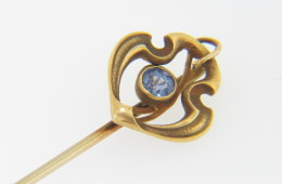 Vintage Antique Fine Round Sapphire Shield Design Stick Pin in 14k Yellow Gold