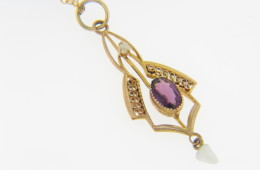 Vintage Art Deco Amethyst & Pearl Pendant/Necklace in 14k Yellow Gold