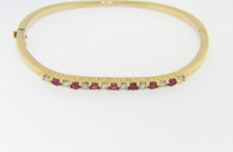 Vintage 1.25ctw Round Ruby & Diamond Bangle Bracelet in 18k Yellow Gold