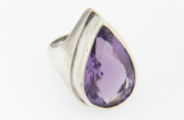 Vintage 10.0ctw Pear Cut Amethyst Cocktail Ring in .925 Sterling Silver Size 6.75