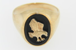 Vintage Oval Black Onyx Majestic Eagle Signet Ring in 10k Yellow Gold Size 10
