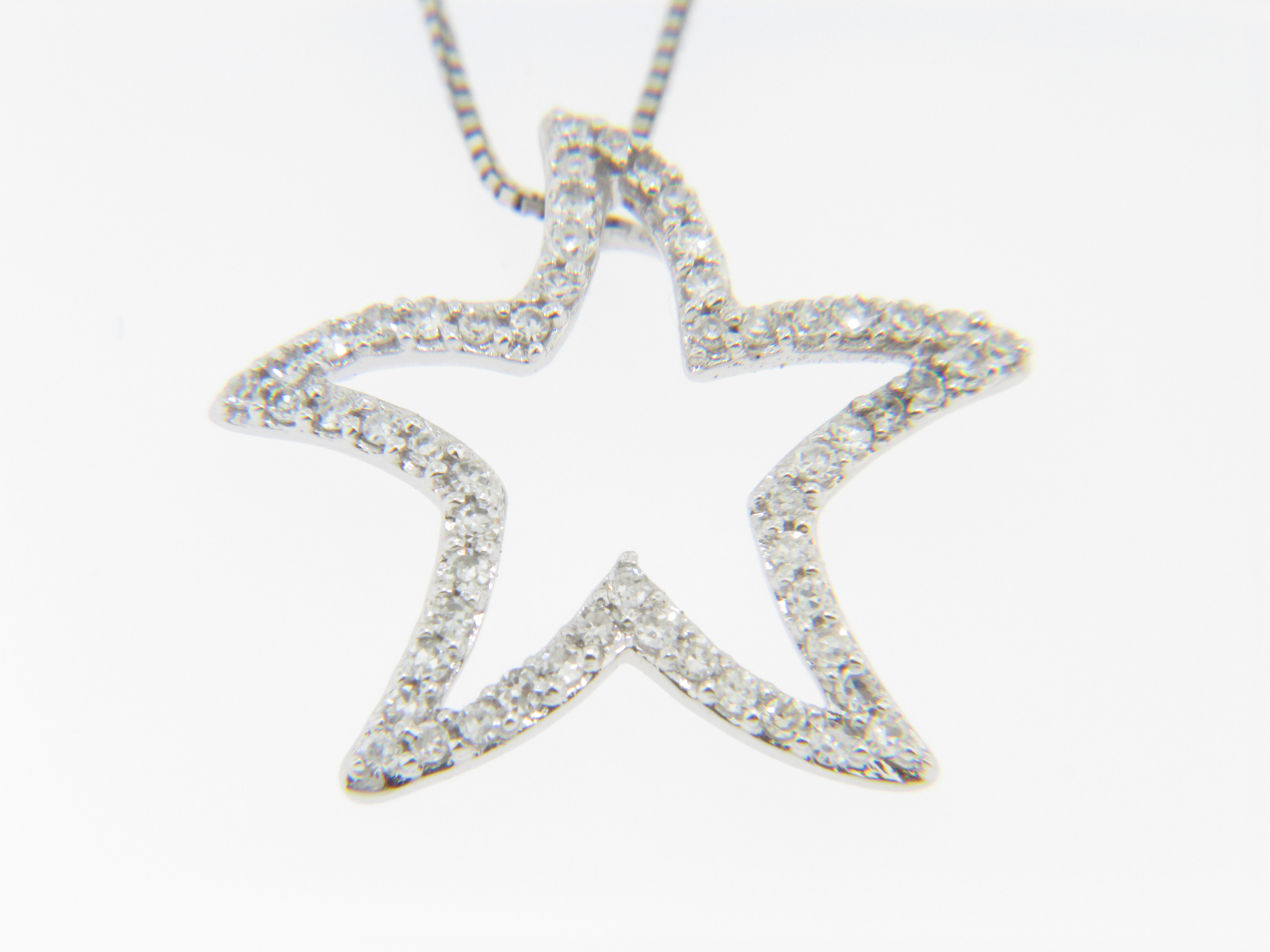 Contemporary 0 22ctw Round Diamond Star Starfish Necklace in 14k