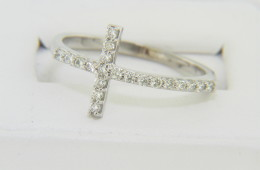 Contemporary 0.33ctw Diamond Cross Band Ring in 14k White Gold Size 9