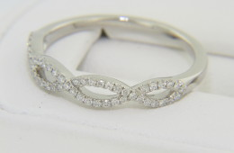 Contemporary 0.50ctw Round Diamond Thin Woven Design Band Ring in Platinum Size 8.75
