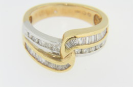 Contemporary Two Tone 0.75ctw Diamond Twist Band Ring in 14k Yellow & White Gold Size 6.25