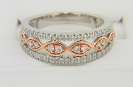 Contemporary Two Tone Round Diamond Band Ring in 14k White & Rose Gold Size 6.5