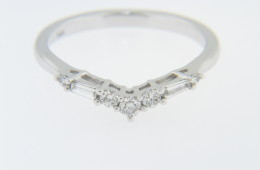 Contemporary Round & Baguette Diamond V Shape Band Ring In 14k White Gold Size 7
