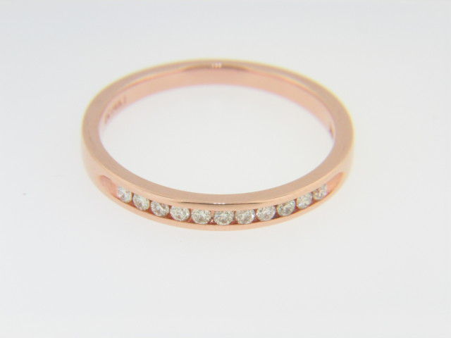 Contemporary 0.15ctw Round Diamond Band Ring in 14k Rose Gold Size 7 Timeless