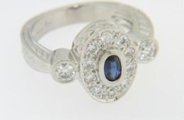 Vintage Very Fine Oval Sapphire & Diamond Ring in Platinum Size 6.5