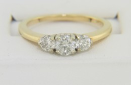 Timeless 0.80ctw Round Diamond Three Stone Engagement Ring 14k Yellow Gold Size 7