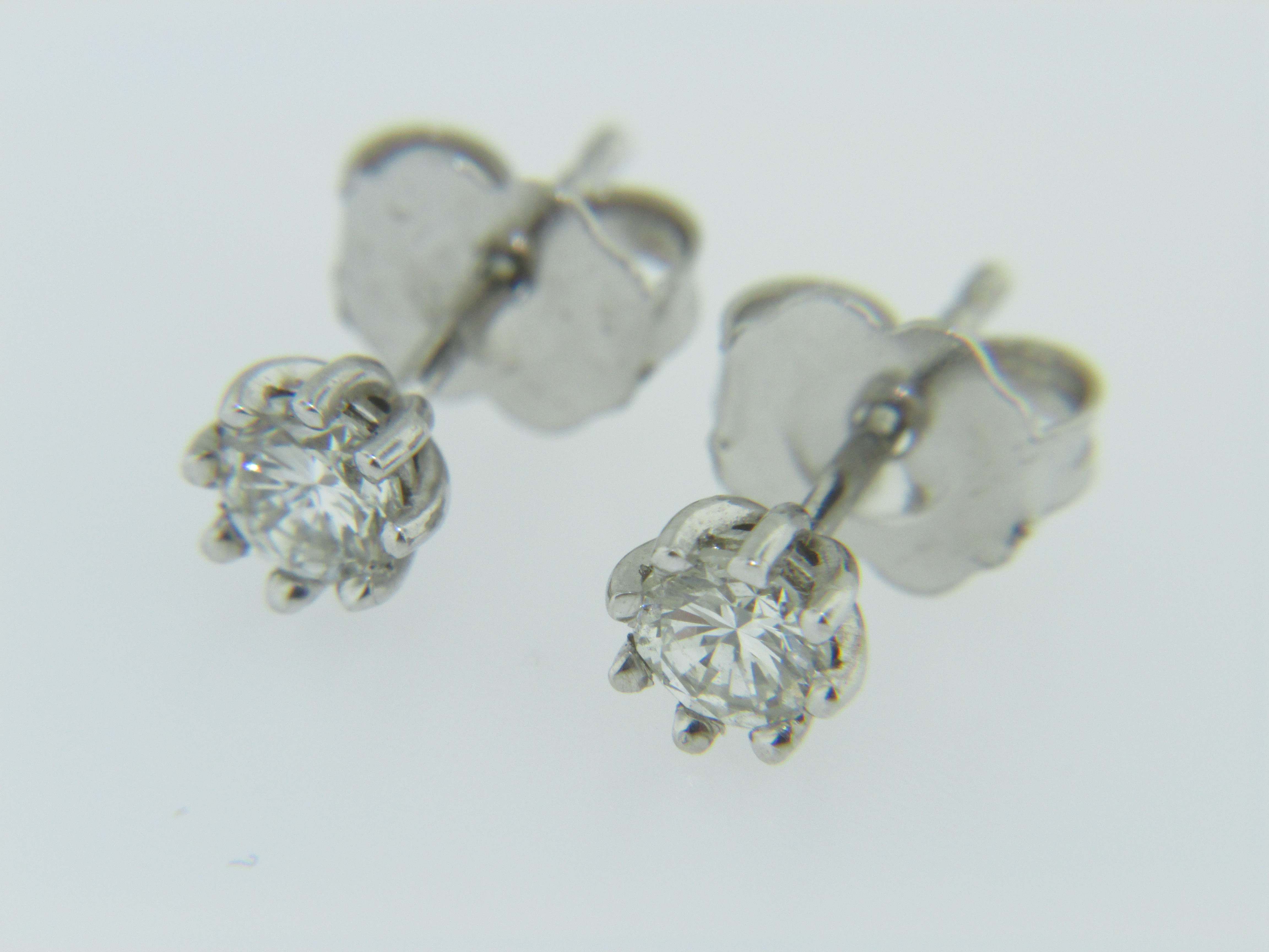 **sold**this Is A Stunning Pair Of Timeless 032ctw Round Diamond 8 Prong  Stud Earrings In 14k White Gold Very Fine The Pair Weighs 07 Grams