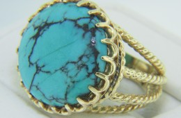Vintage Round Bisbee Turquoise Ring with Twist Rope Detail Shank in 14k Gold Size 6