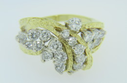 Vintage 1970's 2.25ctw Round Cut Diamond Cluster Ring 18k Yellow Gold Size 7.5
