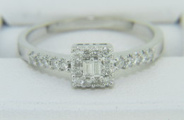 Fine 0.40ctw Baguette & Round Diamond Engagement Ring 14k White Gold Size 7