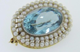 Vintage Oval Cut Aquamarine & Pearl Pin Brooch in 18k Yellow Gold