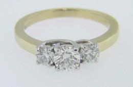 0.92ctw Round Cut Diamond Three Stone Engagement Ring in 14k Yellow Gold Size 6.75