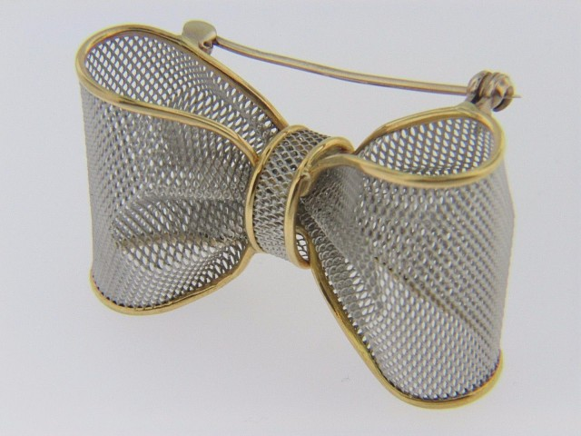 Vintage Two Tone Mesh Design Bow Pin Brooch in Platinum & 18k Yellow Gold