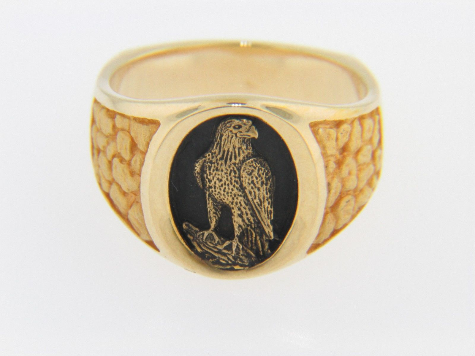 Vintage Eagle Cameo Signet Ring In 14k Yellow Gold Amp Black
