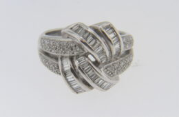 Vintage 1.50 tcw Diamond Estate Ring in 18k White Gold Size 6.25